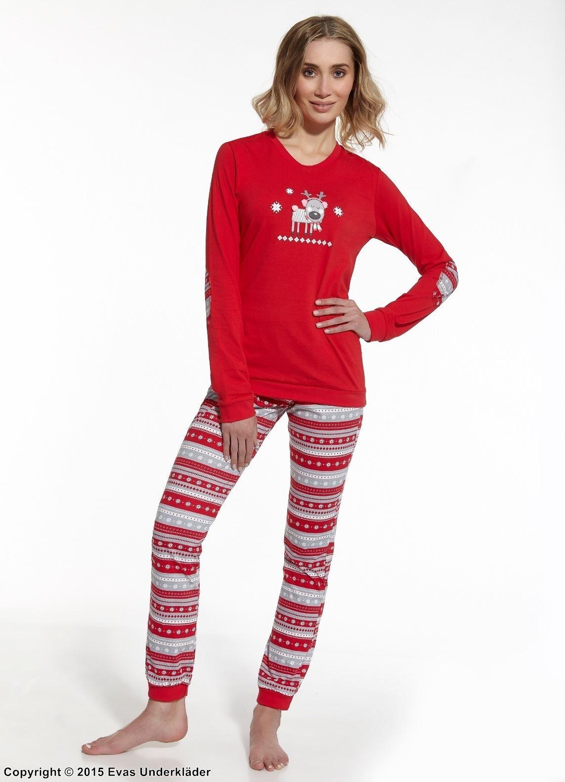 Pyjamas med jul-inspirerat mönster